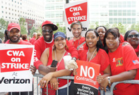 Union members recognize support from passerby